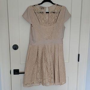 Warehouse Dresses - Warehouse cream lace panel dress